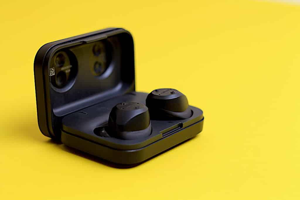 Jabra Elite Sport Case mit Kopfhörern